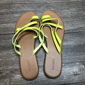 2/$20 Old Navy Lime Neon Yellow Green Sandals, 9